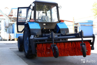 Щетки на трактор для уборки улиц