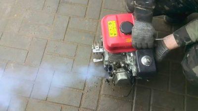 Мотоблок дымит черным дымом и не тянет
